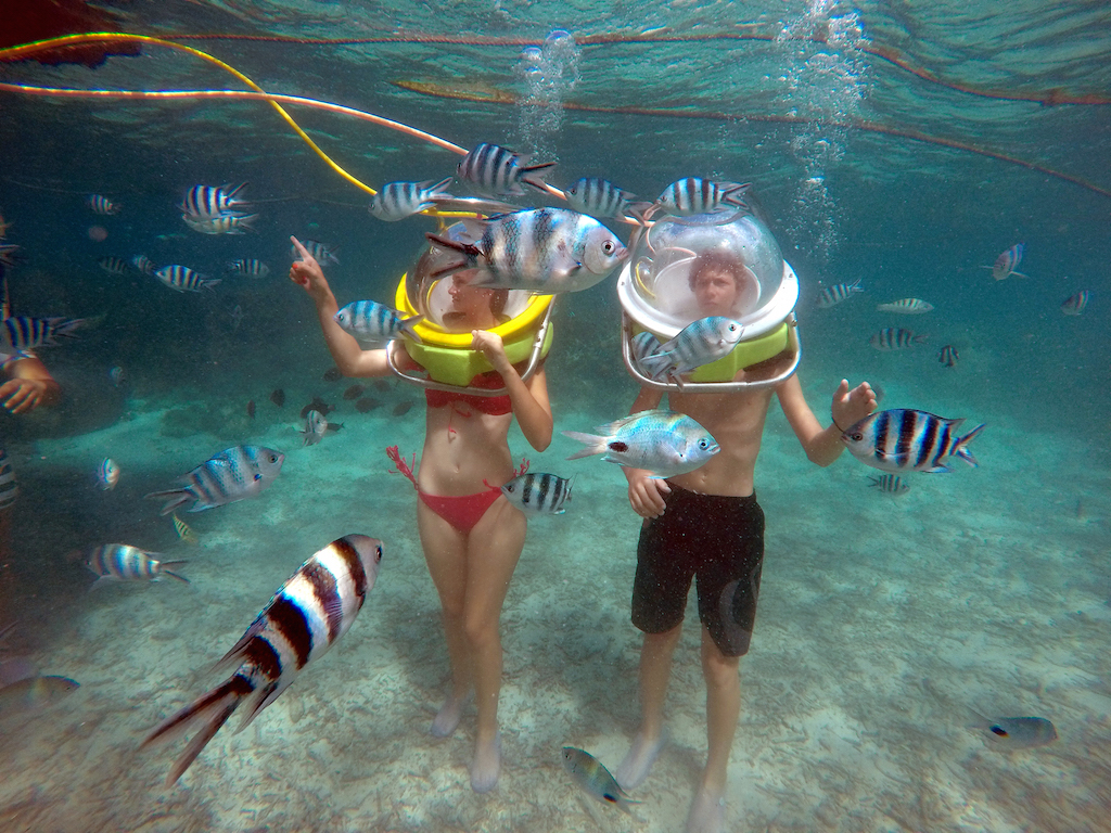 Helmet diving excursions for non swimmers